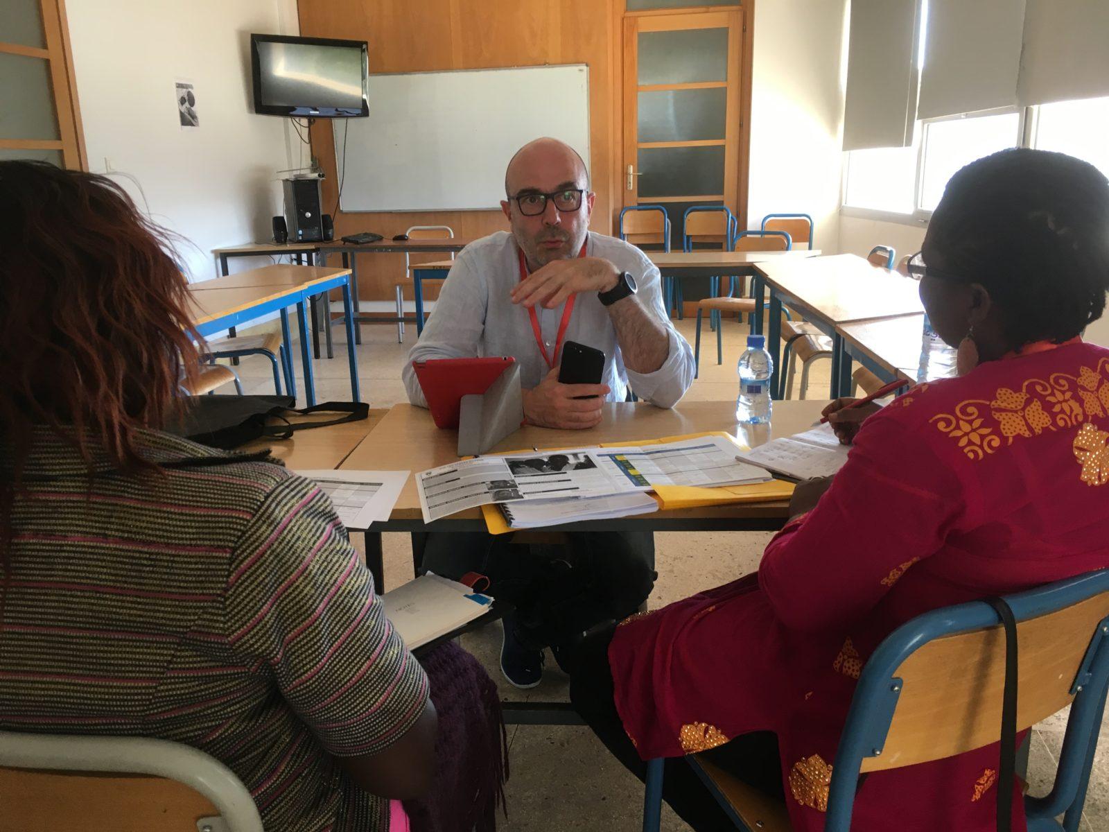 Mamounata Nikiema and Delphine Yerbanga (SUR LES TRACES DU PERE) talking with Denis Vaslin