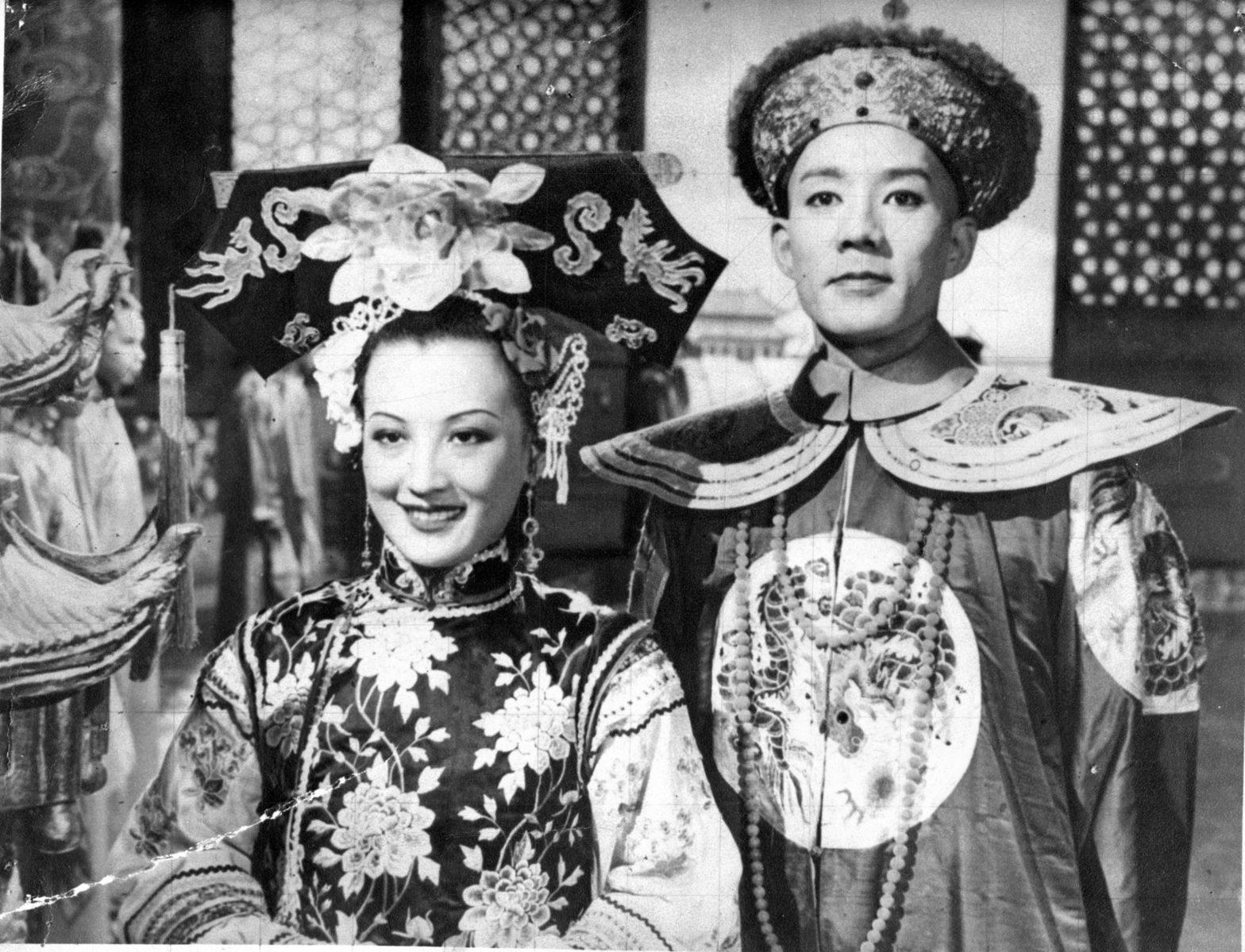 Secrets of the Qing Court-01