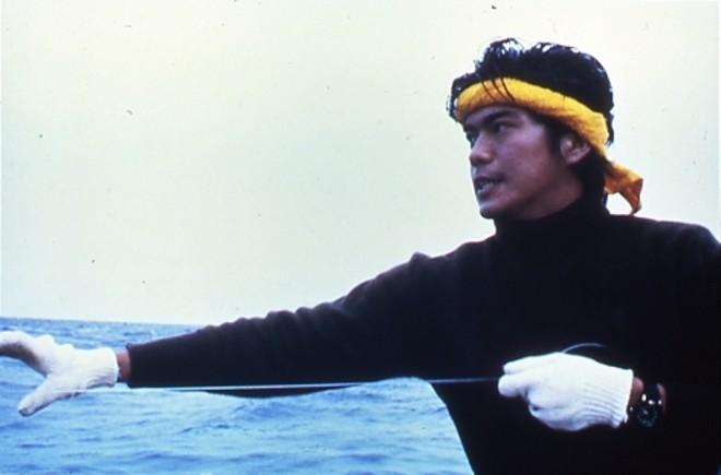 color photo The Catch by Shinji Somai 06